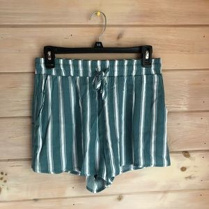 BRAND NEW striped flowy shorts